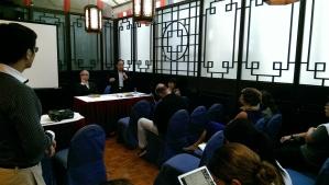 兩儍上京的同時,中國維權律師關注組在香港舉行記招,介紹被拘人士及其家屬的最新情況